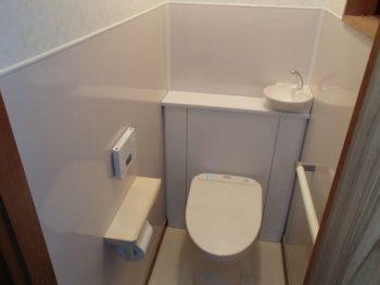 施工事例 トイレ・窓、勝手口取替・壁クロス張替工事