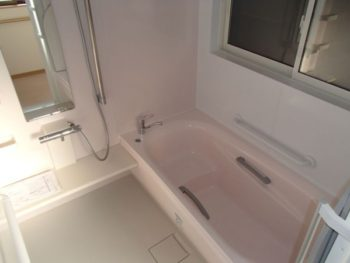 施工事例 お風呂・脱衣場・手すり取付・庇設置のリフォーム