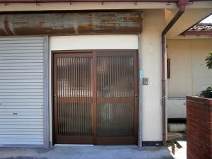 施工事例 「シャッターを玄関に」改装リフォーム工事