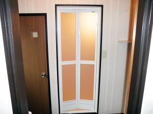 施工事例 ユニットバスドア取替えリフォーム工事